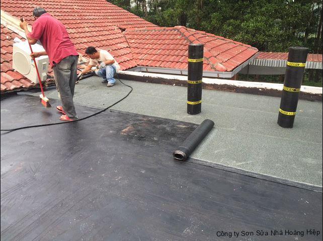 thi công chống thấm sân thượng bằng màn khò