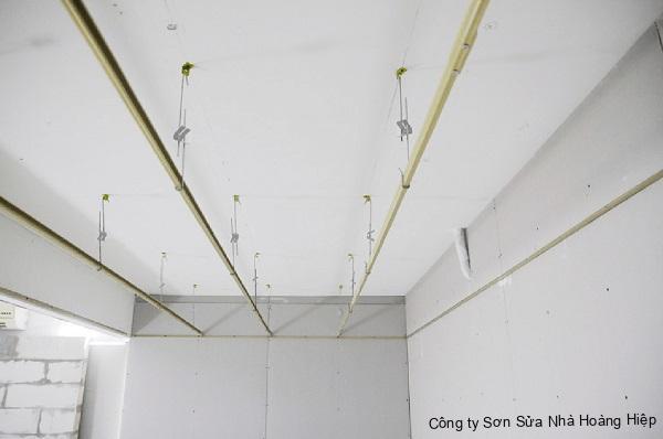 Thi công trần nhà thạch cao